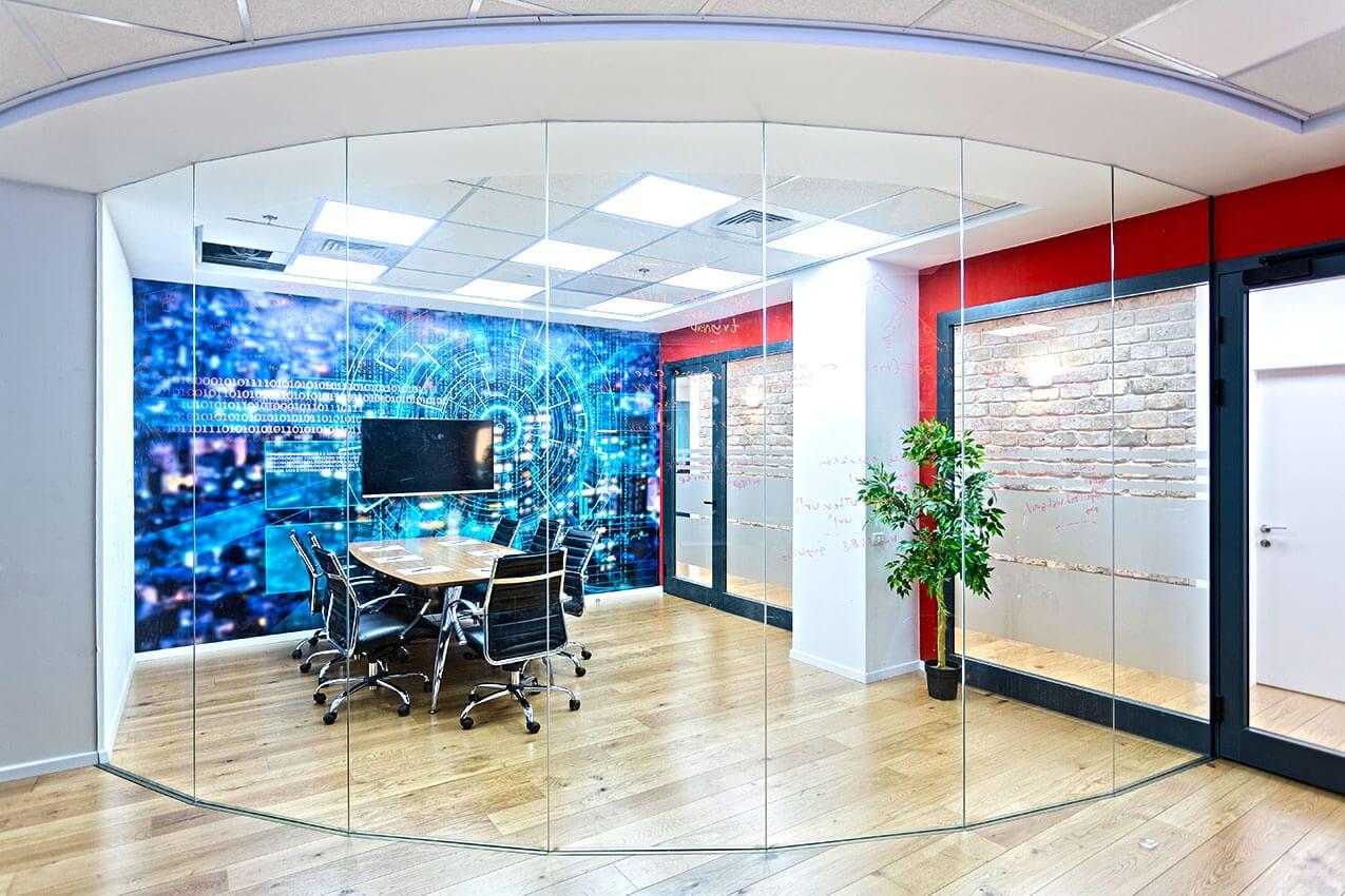 עיצוב פנים של משרדי הייטק הבטחת מידע. סגנון מודרני תעשייתי. אדריכלית ומעצבת פנים דובניקוב מריאנה מיטל שומר מסטודיו - אלמנטס אדריכלות ועיצוב פנים