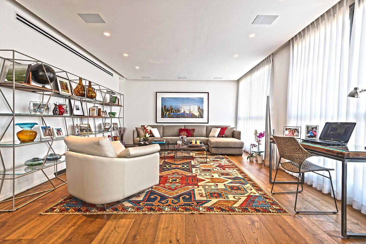 דירה מעוצבת יפה ועם אופי יצירת אמנות של אדריכלית ומעצבת פנים דובניקוב מריאנה מיטל שומר מסטודיו - אלמנטס אדריכלות ועיצוב פנים